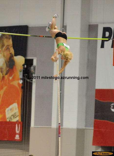Jenn Suhr setting the indoor pole vault American Record